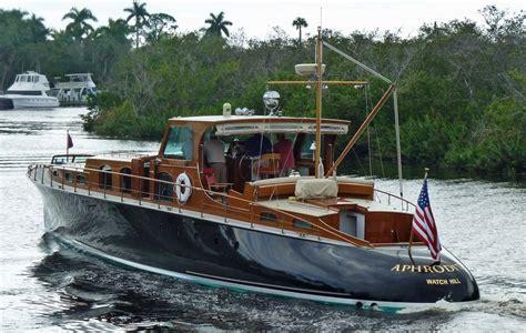aphrodite   interesting boat   world  hand eye