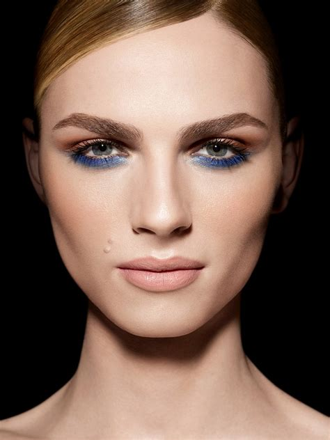 top  makeup   woman    top inspired