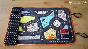 Petit Cadeau à Faire En Couture : tutoriel de couture d taill et illustr pour coudre un tapis de voitures nomade hook and ~ Melissatoandfro.com Idées de Décoration