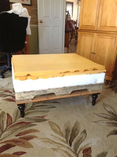 beautiful diy ottoman   pallet   mattress
