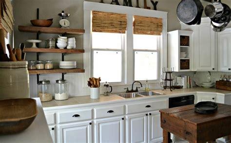 idee etagere cuisine idee rangement cuisine cuisine quipe gris brillant