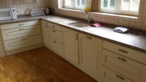 peut on mettre du parquet dans une cuisine peut on poser du parquet dans une cuisine mb parquet