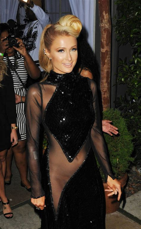 hilton paris showed much too she body dress tall weight height underwear measurements party grammy without heightandweights