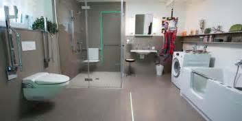 badewanne mit stufe initiative bezahlbarer wohnraum tipps f 252 r den umbau im