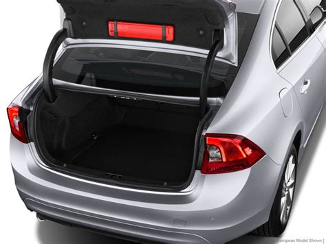 image  volvo   door sedan  awd trunk size    type gif posted