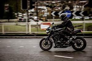 Moto De Ville : free stock photo of action bike biker ~ Maxctalentgroup.com Avis de Voitures