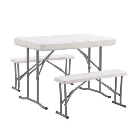 Table De Salle à Manger De Style Pique-nique : Table Avec Bancs. Cliquez Ici Pour Agrandir Table De