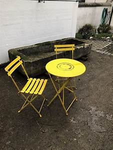 Bistrotisch Mit Stühlen : bistrotisch mit 2 st hlen kaufen auf ricardo ~ A.2002-acura-tl-radio.info Haus und Dekorationen