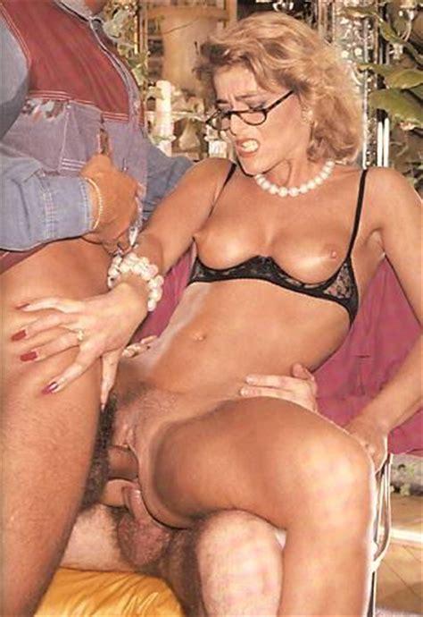 Vintage Blonde Milf In Glasses Getting Gang Xxx Dessert