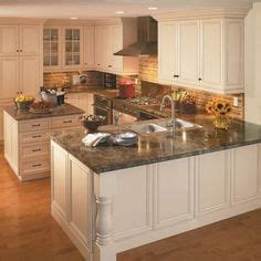 shaped kitchen layout with peninsula 1000 images about kitchens and closets on L