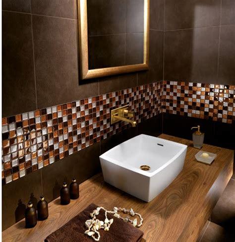 banos decorados en color marron chocolate colores en casa