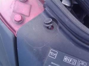 Demonter Pare Choc Clio 3 : d montage grille de calandre clio 2 2 sans d monter le pare choc renault forum marques ~ Medecine-chirurgie-esthetiques.com Avis de Voitures