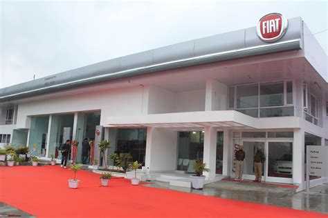 Fiat Car Dealership by Fiat Revvs Away From Tata Dealerships To Set Up Its Own