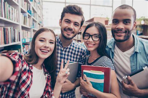 2019 Student Prospectus - AIWT