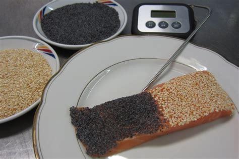 cuisine basse temperature philippe baratte pavé de saumon en duo de sésame et pavot blogs de cuisine