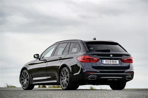 BMW 5 Series Touring Review | Carzone New Car Review