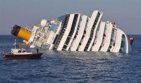Biggest Paper Boat In The World by Costa Concordia Sinking Britons To Sue After Captain