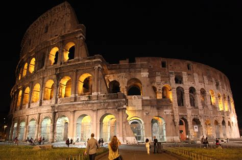 Colosseum Night Tour And Ticket Expert Guides City Wonders