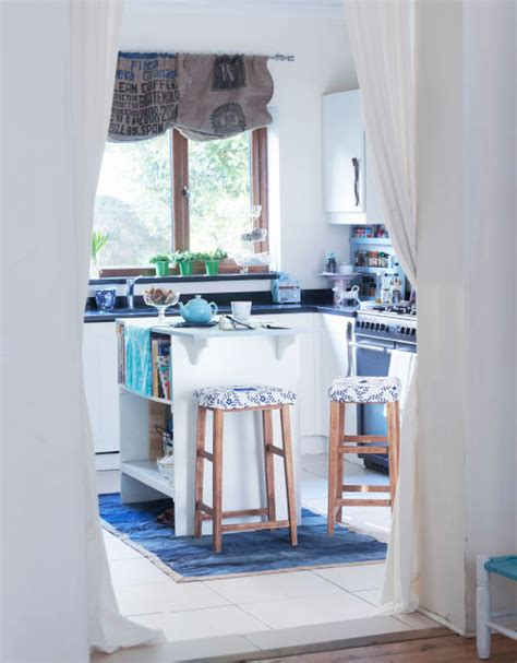 med cuisine ett blått och vitt hem i marin stil