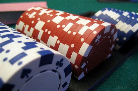 Hosting An Awesome Poker Game At Home