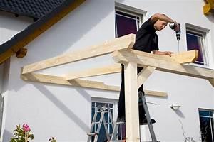 Terrassenüberdachung Günstig Selber Bauen : aufbau einer leimholz terrassen berdachung gartenhaus magazin ~ Frokenaadalensverden.com Haus und Dekorationen
