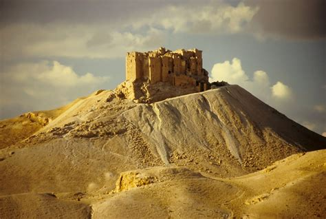 syria palmyra arab castle    century qala