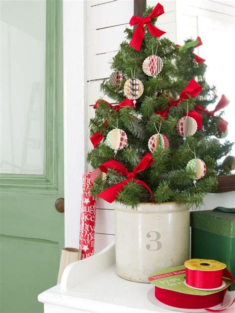 christmas tree decorated ideas 26 inexpensive christmas tree decoration ideas christmas 4505