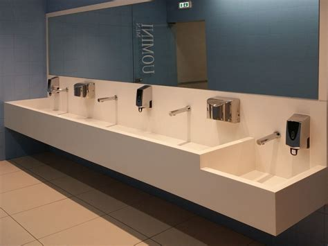 rivenditori corian top lavamani in corian 174 serie top co by ges