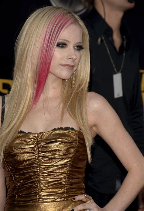 Female Singers Avril Lavigne Pictures Gallery 22