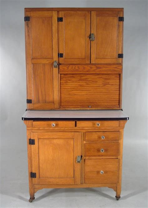 sellers hoosier cabinet history igavel auctions hoosier baking cabinet made by sellers