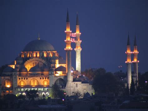 Mosques Of Middle Est