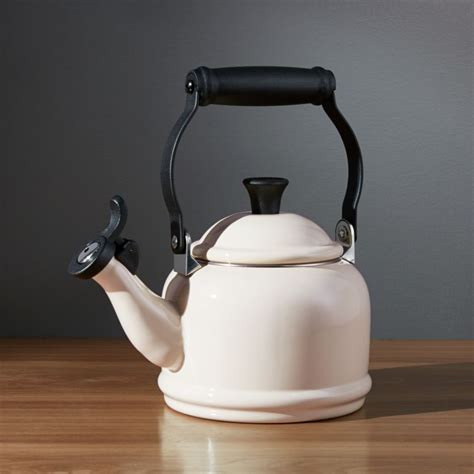 le creuset  qt demi cream tea kettle reviews