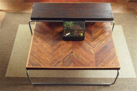 Der Couchtisch Aus Holzmodern Reclaimed Wood Coffee Tables With A Unique Style by Wohnzimmertisch Aus Holz Selber Bauen Tolle Diy Ideen