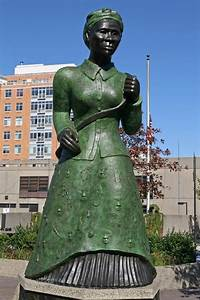 17 Best images about Statues of Famous People on Pinterest ...