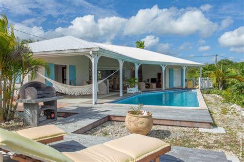 plan bar cuisine galerie photos location de maison et villa à galante location villa luxe avec piscine à