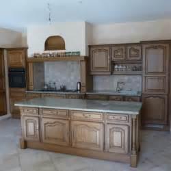 comment choisir cuisiniste repeindre des meubles de cuisine rustique moderniser