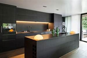 Beautiful kitchens: Black kitchen interior with a touch of