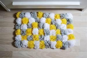 Tapis Jaune Et Gris : tapis jaune gris id es de d coration int rieure french decor ~ Teatrodelosmanantiales.com Idées de Décoration