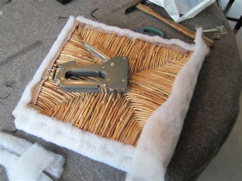 relooker une chaise en paille le de line relooker des chaises à vos pinceaux