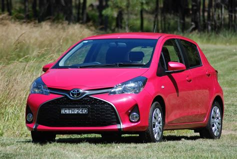 Toyota Car : 2015 Toyota Yaris Sx Review And Road Test