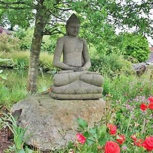 Statue Deco Jardin Exterieur : d coration de jardin en pierre en 35 id es super sympas ~ Teatrodelosmanantiales.com Idées de Décoration
