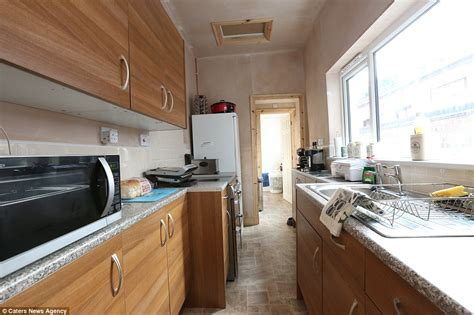Stoke-on-trent Couple Buy Britain's Cheapest House For £