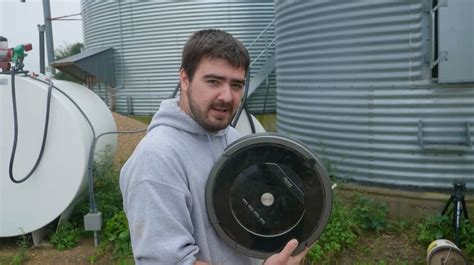 Tired of cleaning out your grain bin? Use a Roomba!   AGDAILY