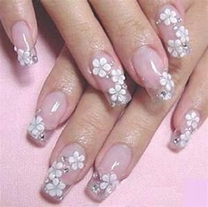 Beautiful 3D nail art - FashionsRoom.comFashionsRoom.com