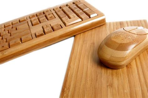 Accessoires Holz by 6 Wooden High Tech Accessories That You Want On Your Desk