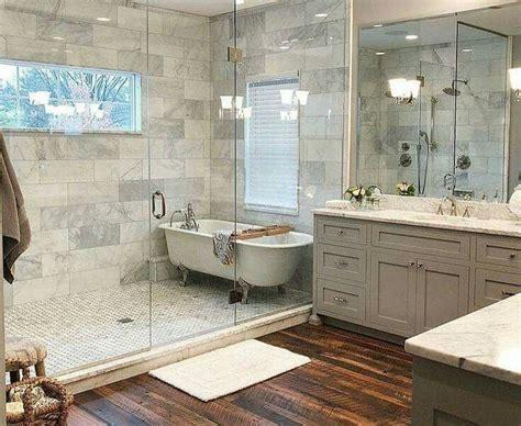 best bathroom remodel ideas 33 best farmhouse master bathroom remodel ideas homyfeed