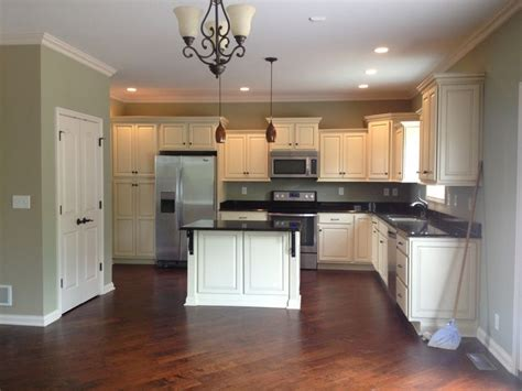kitchen paint colors with cream cabinets my kitchen vanilla cream cabinets my home