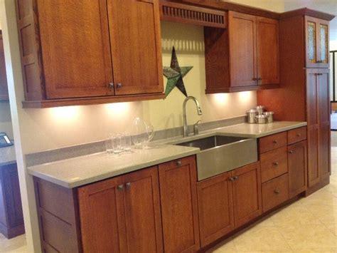 Quarter Sawn Oak Kitchen Cabinets   kalamazoo display