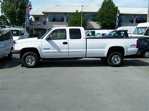 2005 Chevrolet 2500 Extended Cab 4x4 Long Box Pickup