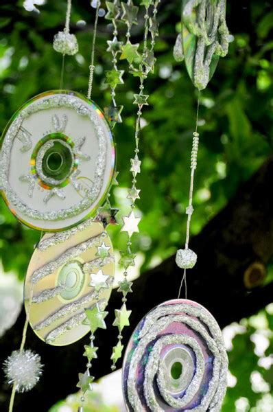 wind chime craft project   garden reusing  cds